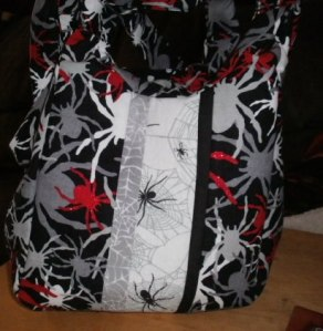 Lani Longshore spider purse