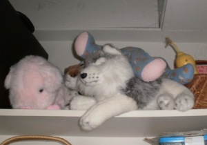 Stuffed toys at rest