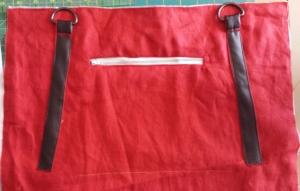 Angled straps, wonky zipper