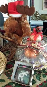 Lani Longshore moose reindeer vase